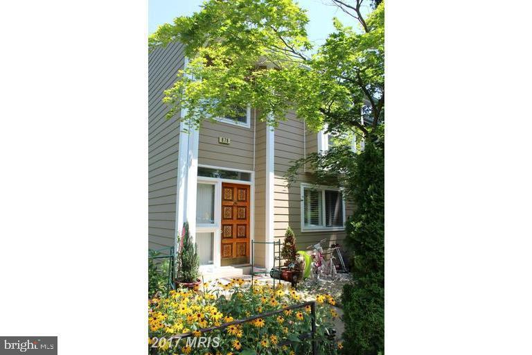 townhouses for Sale at 878 New Mark Esplanade Rockville, Maryland 20850 United States
