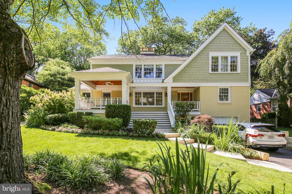 Single Family for Sale at 7017 W Greenvale Pkwy 7017 W Greenvale Pkwy Chevy Chase, Maryland 20815 United States