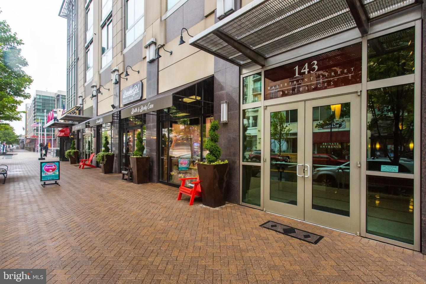 condominiums for Sale at 143 Waterfront St #204 143 Waterfront St #204 National Harbor, Maryland 20745 United States