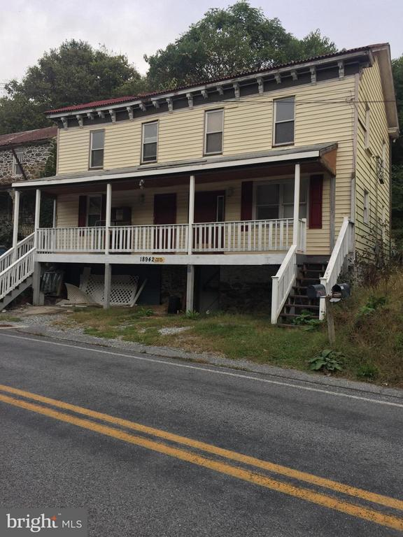 Multi Family for Sale at 18942 Sandyhook Rd Knoxville, Maryland 21758 United States
