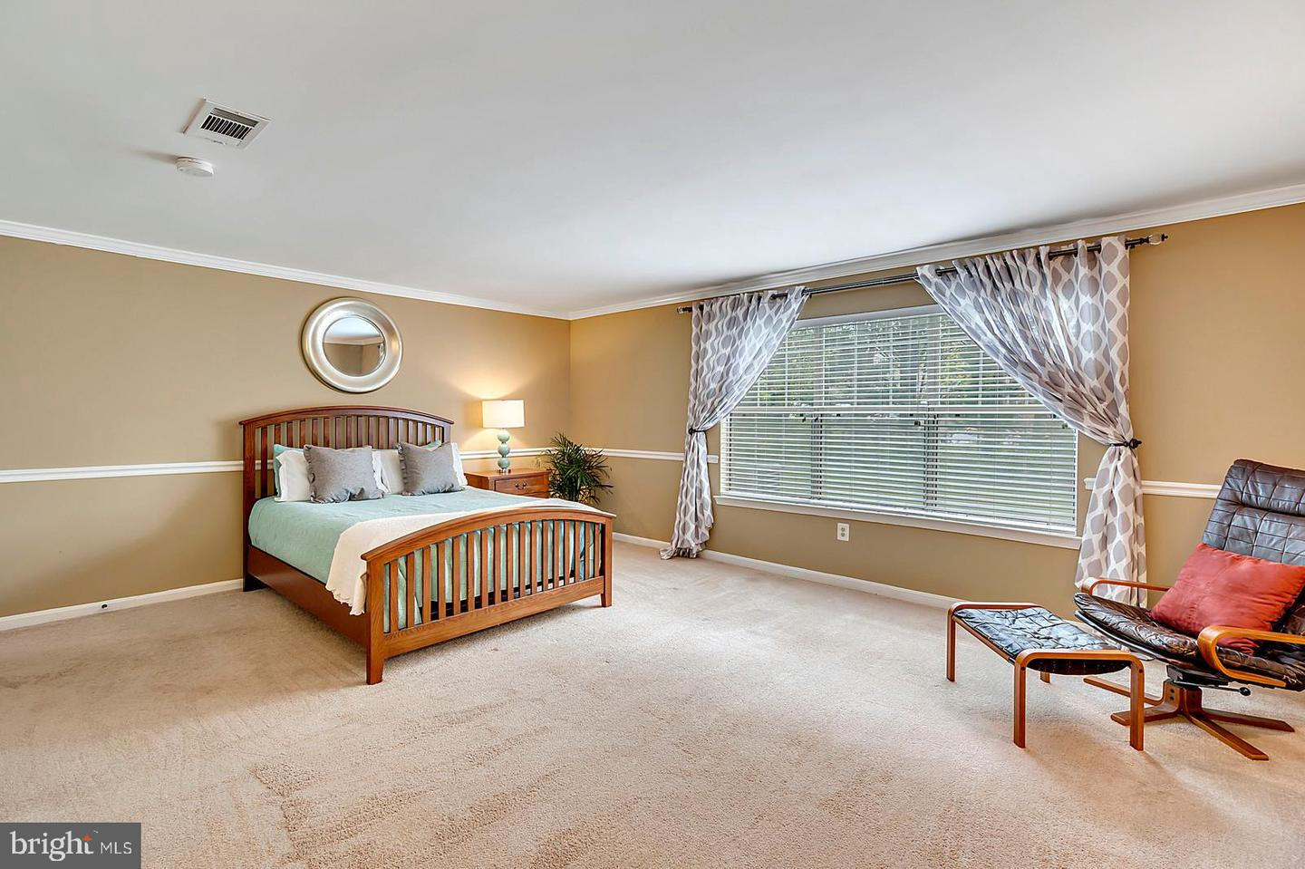 Additional photo for property listing at 723 A Cedar Crest Dr #a Warrenton, Virginia 20186 United States
