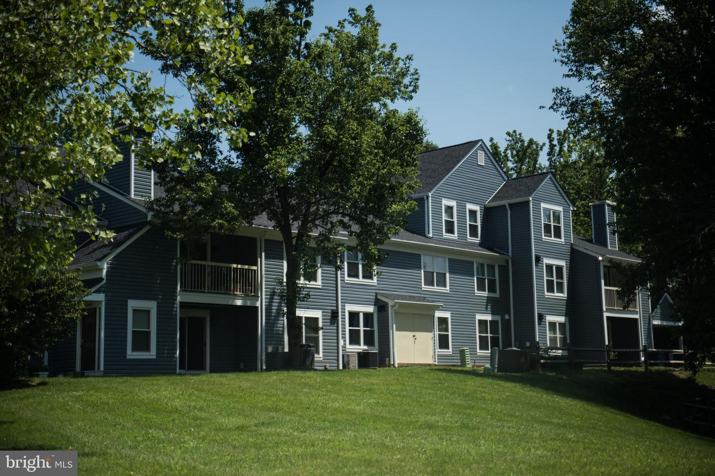 condominiums for Sale at 13667 Orchard Dr #3667 Clifton, Virginia 20124 United States