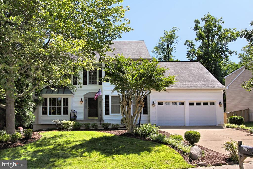 Single Family for Sale at 13824 Springstone Dr Clifton, Virginia 20124 United States