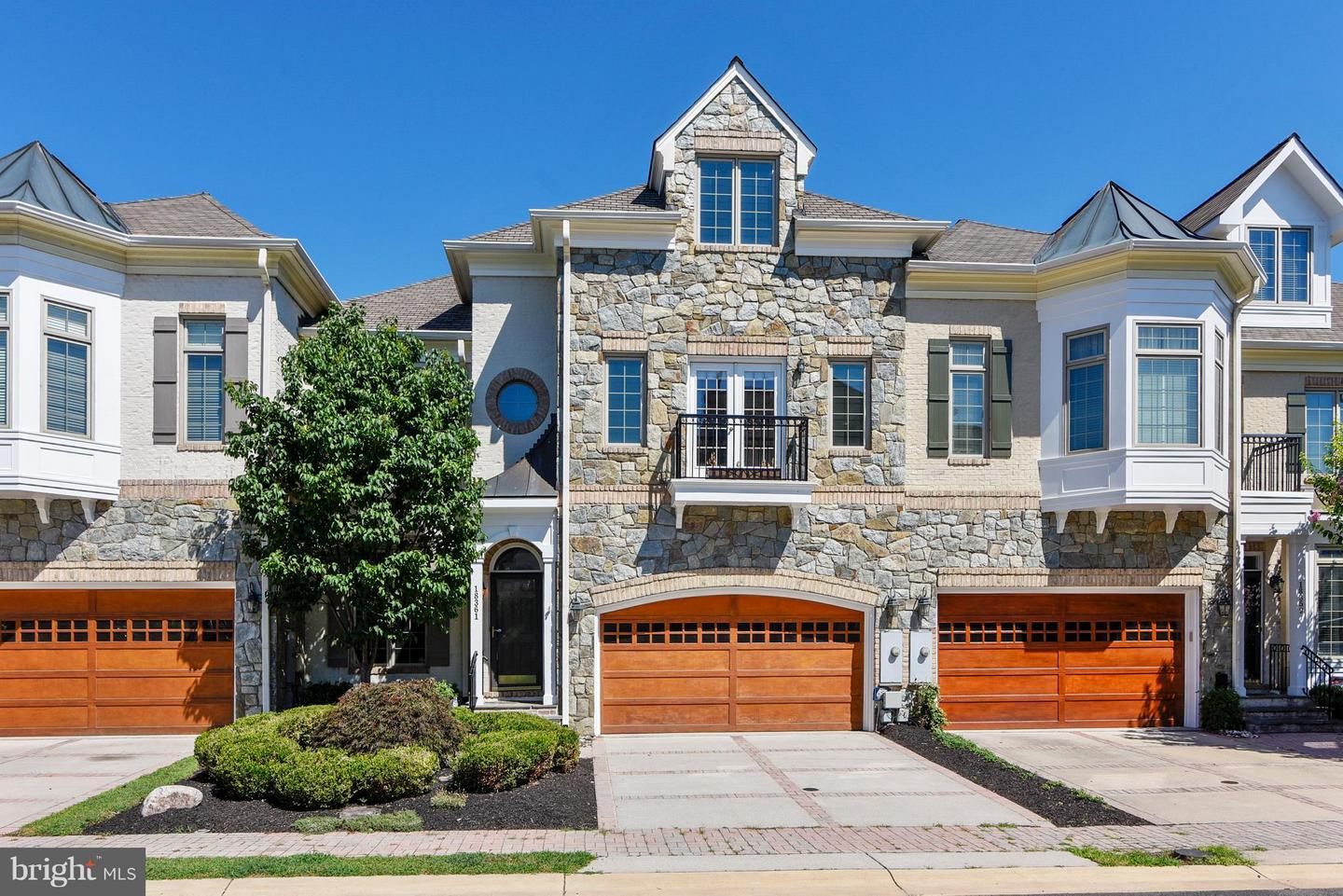 townhouses for Sale at 18361 Eagle Point Sq 18361 Eagle Point Sq Leesburg, Virginia 20176 United States