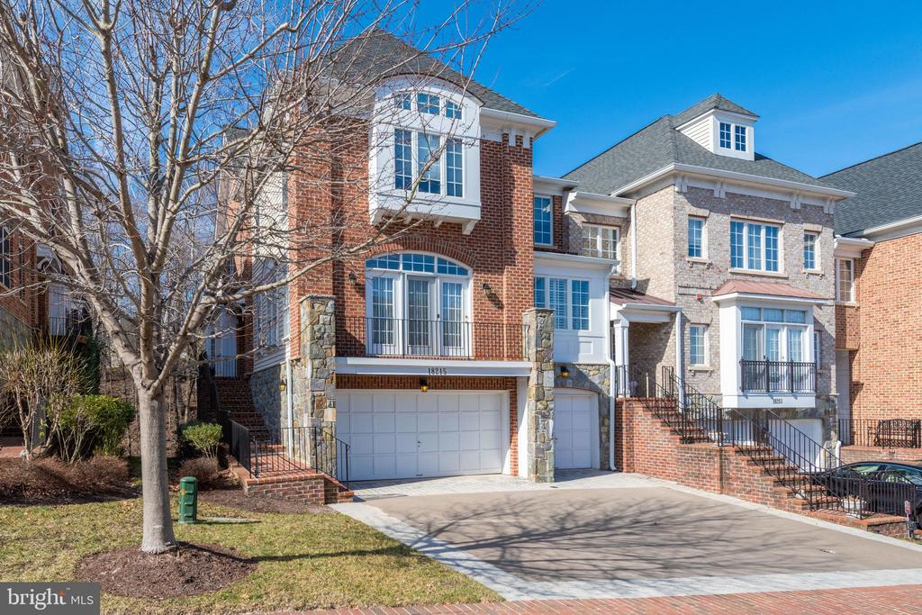 townhouses for Sale at 18215 Cypress Point Ter Leesburg, Virginia 20176 United States