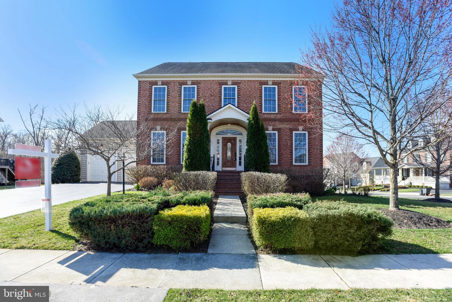 Single Family for Sale at 21058 Courtland Village Dr Leesburg, Virginia 20175 United States