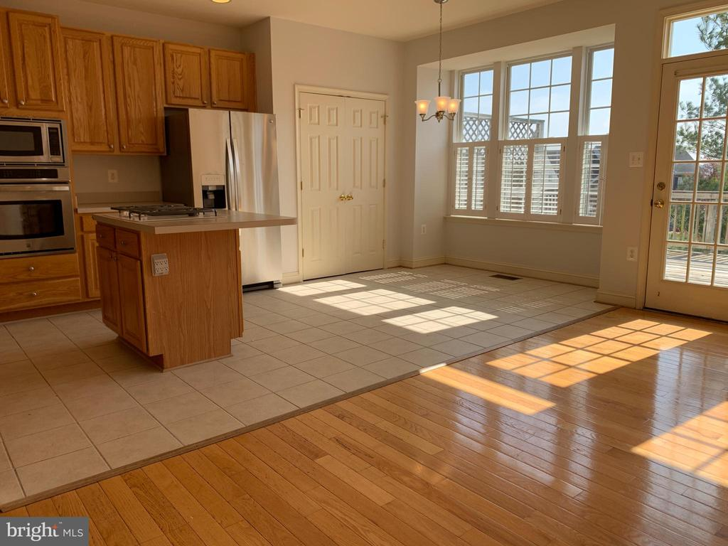 Additional photo for property listing at 651 Mcleary Sq SE Leesburg, Virginia 20175 United States