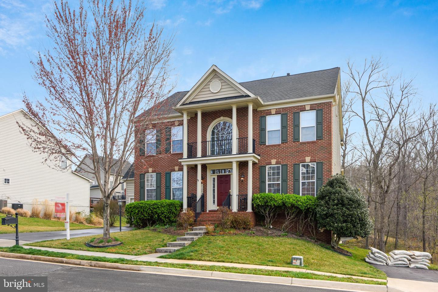 Single Family for Sale at 21086 Honeycreeper Pl Leesburg, Virginia 20175 United States