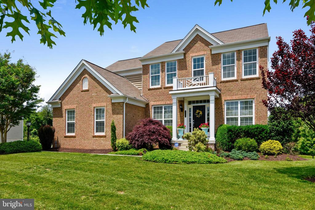 Single Family for Sale at 41326 Silverside Dr 41326 Silverside Dr Leesburg, Virginia 20175 United States