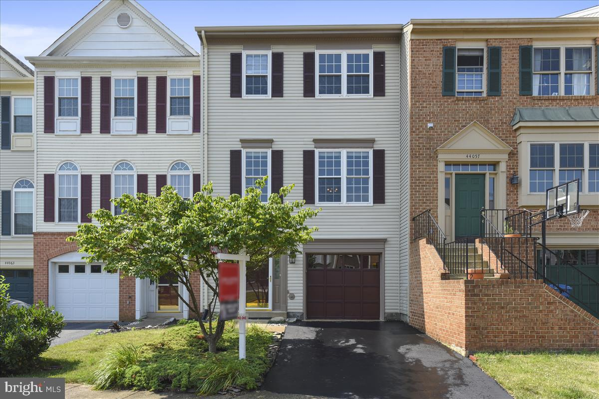 townhouses for Sale at 44059 Florence Ter 44059 Florence Ter Ashburn, Virginia 20147 United States