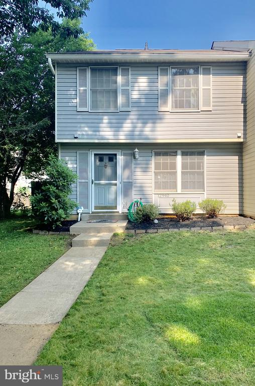 townhouses for Sale at 12940 Reese Ct Woodbridge, Virginia 22192 United States