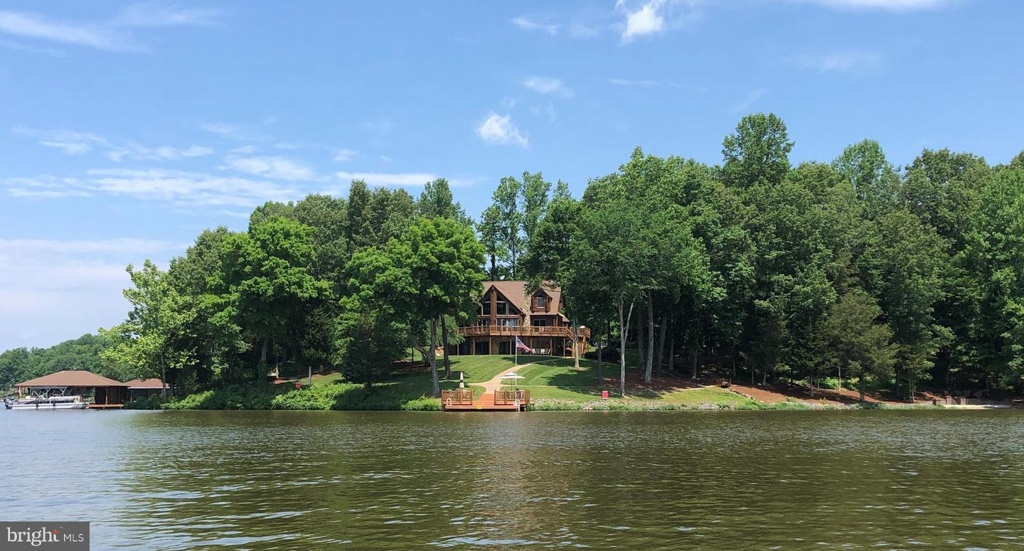 Single Family for Sale at 7604 Governors Point Ln Unionville, Virginia 22567 United States