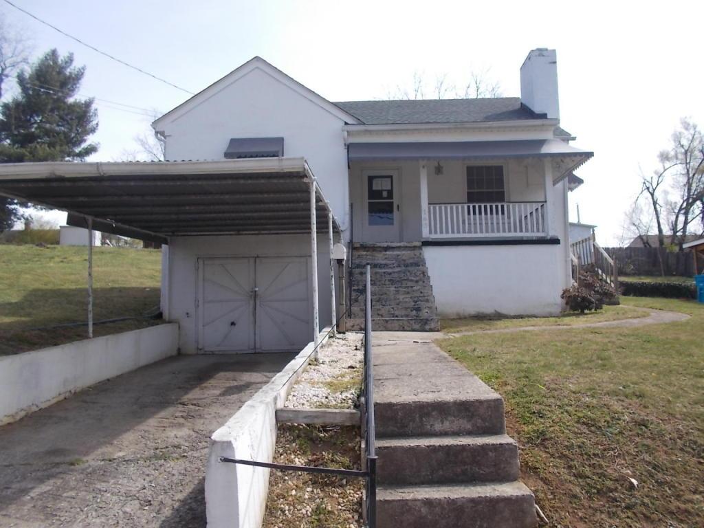 163  ,  Roanoke, VA