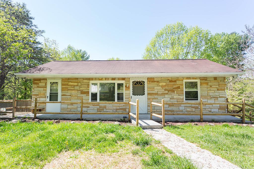 6724  ,  Boones Mill, VA