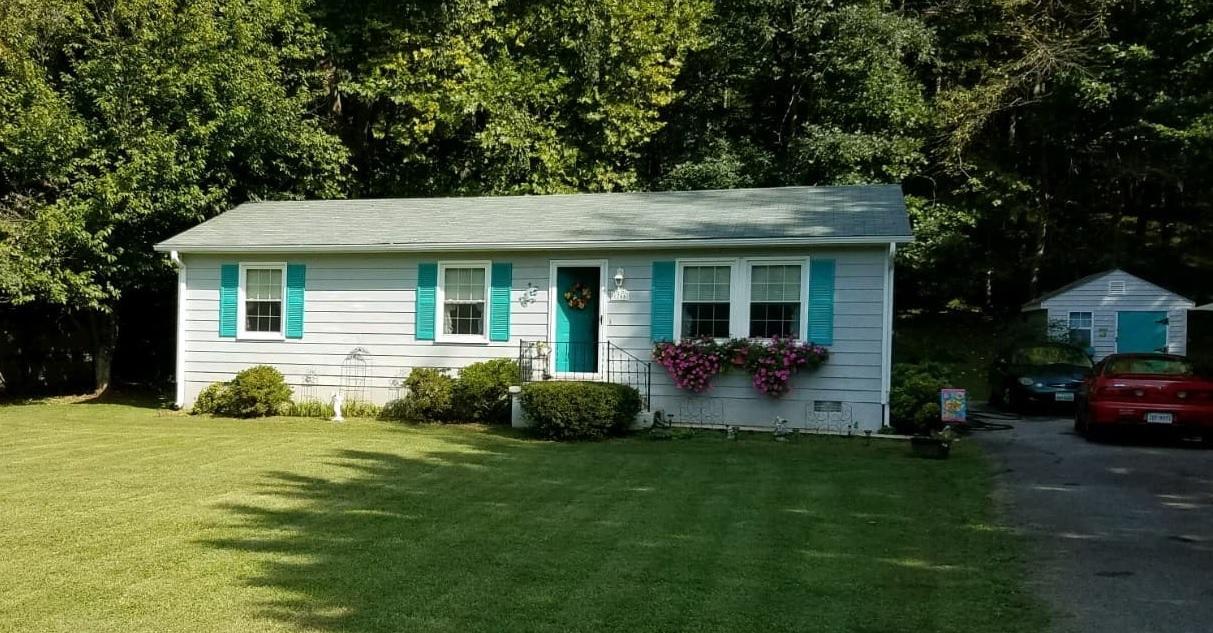 1766  ,  Troutville, VA