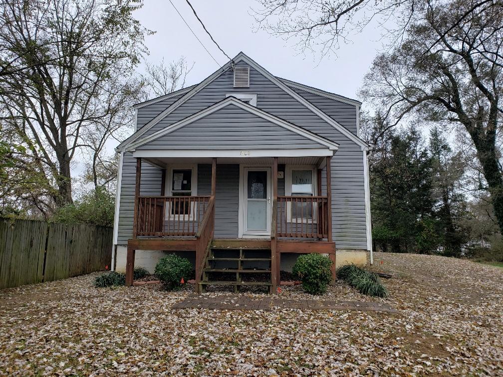 1502  ,  Roanoke, VA