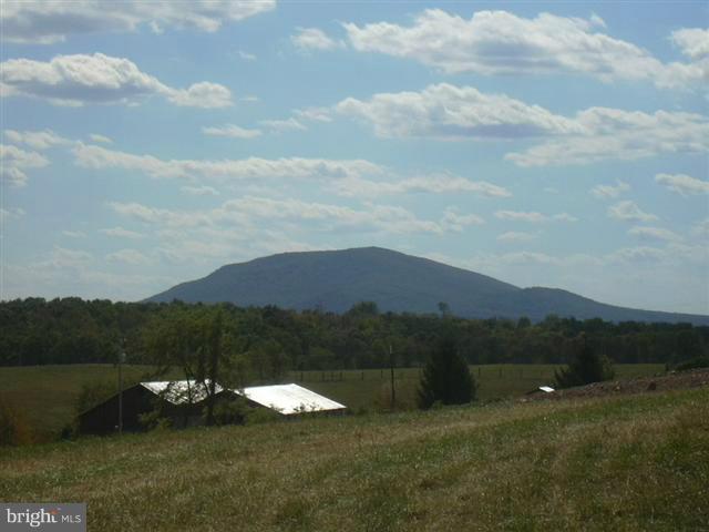 21 Sleepy Meadows, Augusta, WV, 26704
