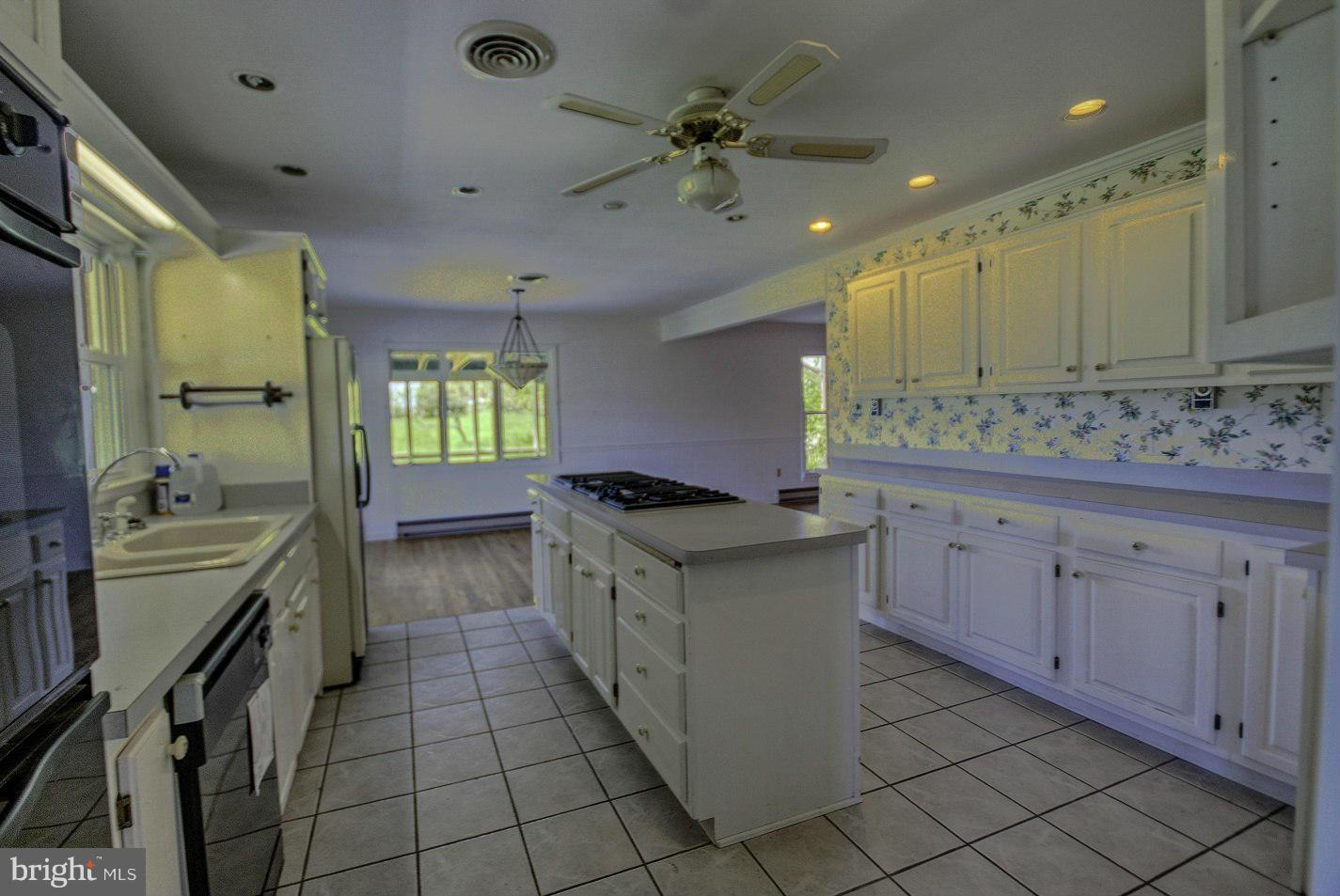 270 Shadow Valley Farm Lane, Berkeley Springs, WV, 25411