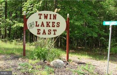 Twin Lakes, Berkeley Springs, WV, 25411