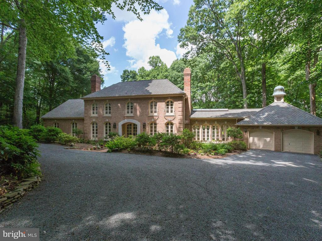 9311  Cornwell Farm,  Great Falls, VA