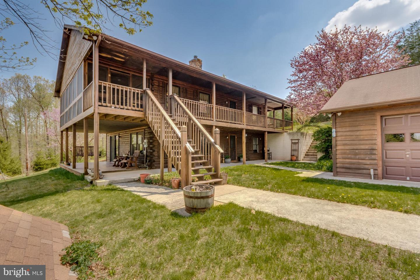 2436  Duckwall,  Berkeley Springs, WV