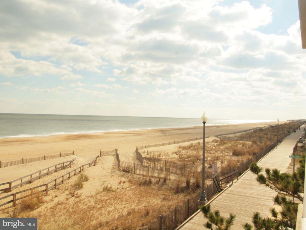 319 Boardwalk 2, Rehoboth Beach, DE, 19971