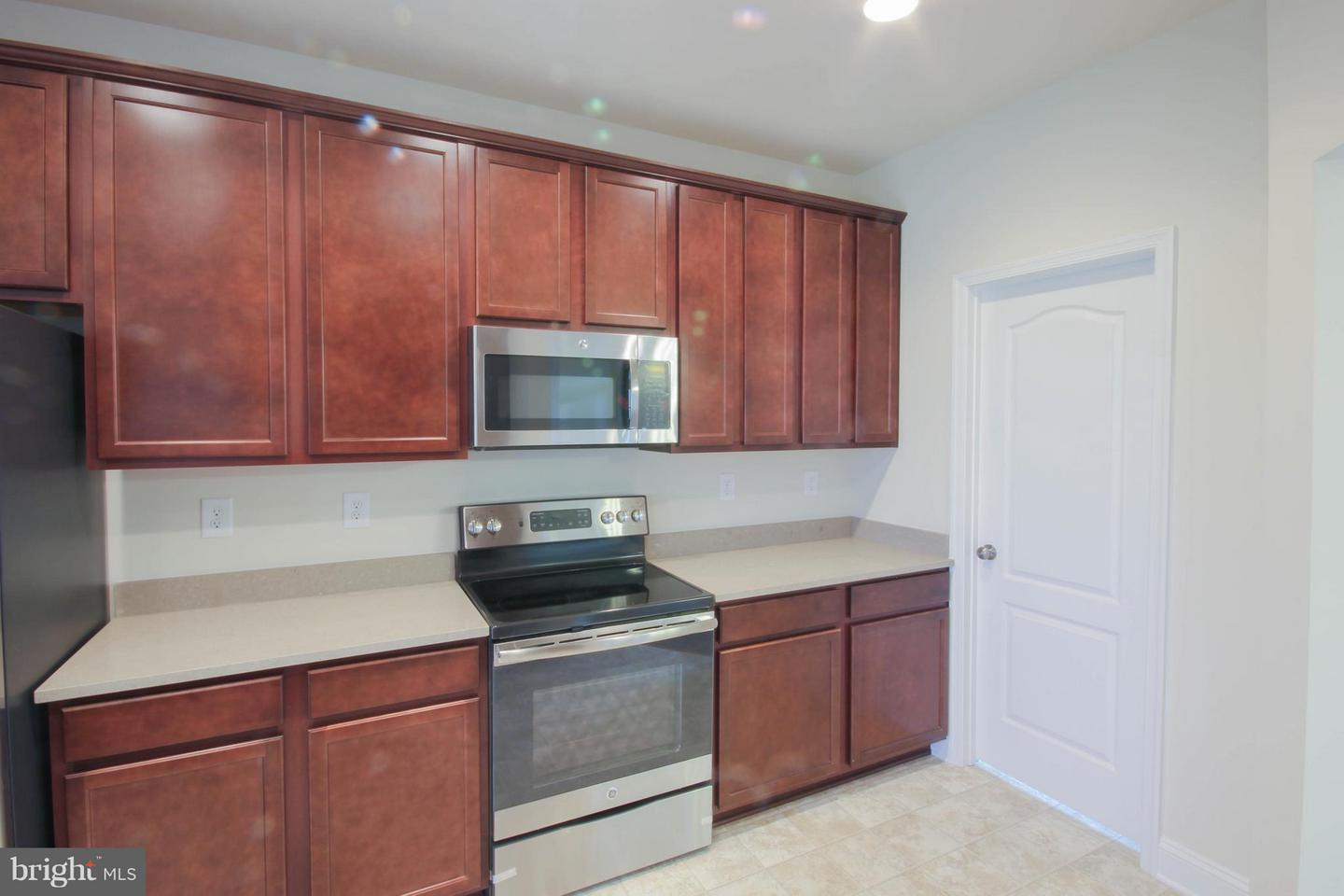 112 Dorchester, Falling Waters, WV, 25419