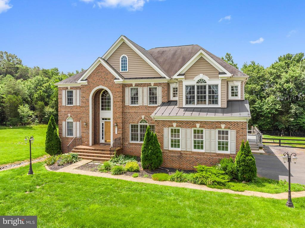5317  Ambler,  Warrenton, VA