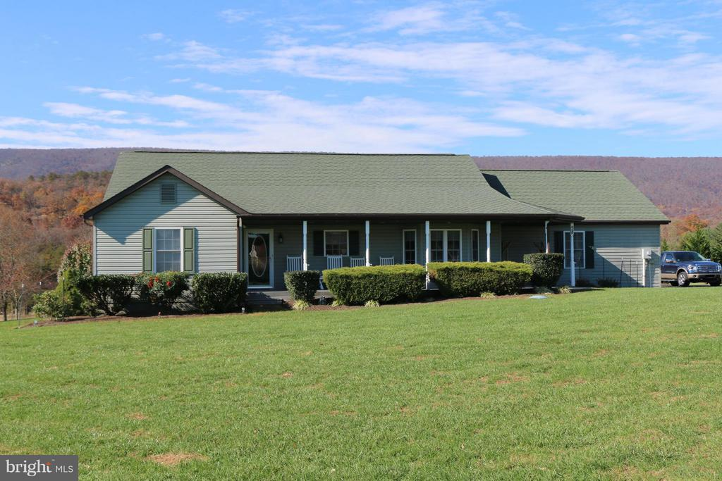 58 Dawson Farm, Berkeley Springs, WV, 25411