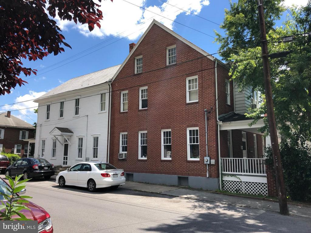31 Congress, Berkeley Springs, WV, 25411