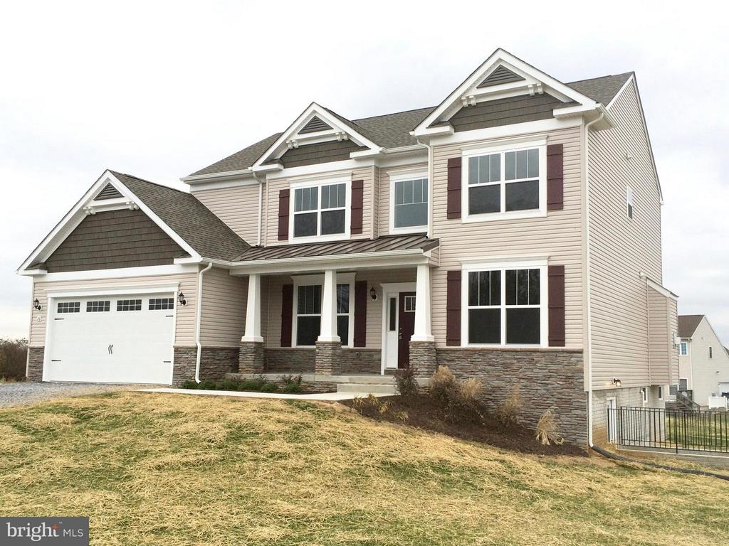 111 Dorchester, Falling Waters, WV, 25419