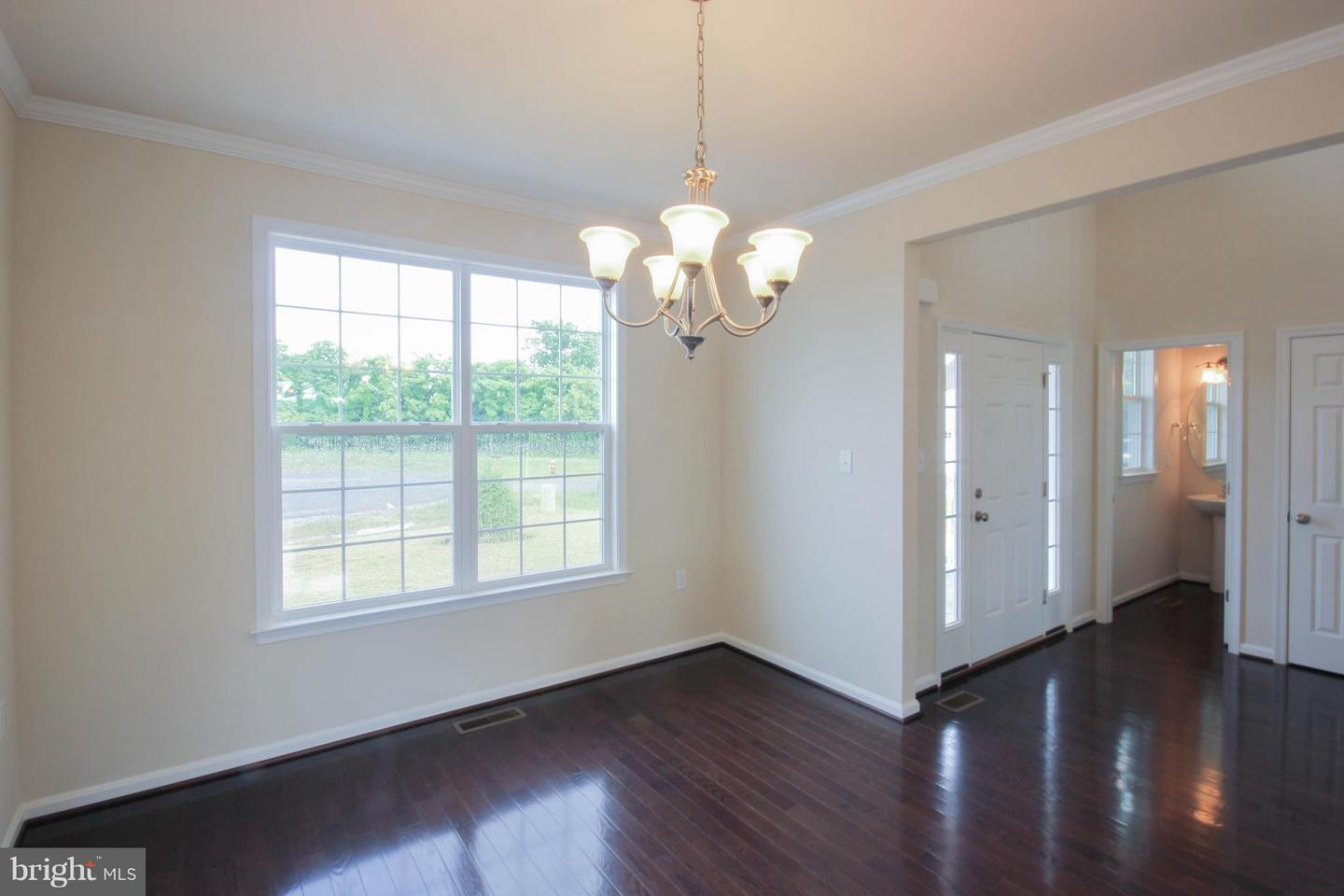 100 Dorchester, Falling Waters, WV, 25419
