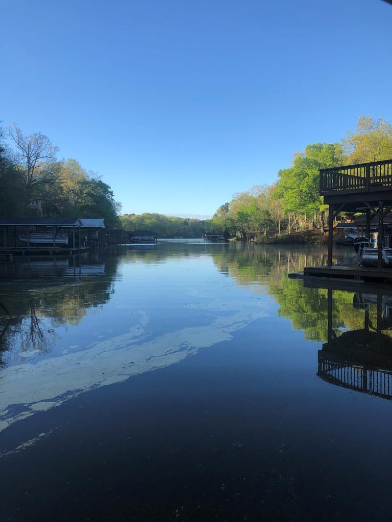 1057  Great Creek,  Bracey, VA