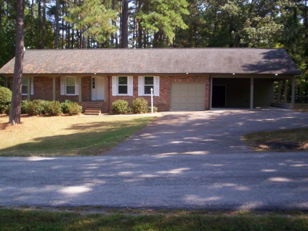 216  Tanglewood Drive,  Bracey, VA