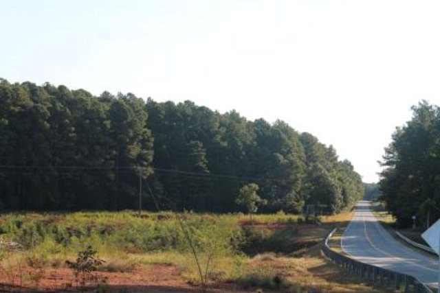 Par. A&B  Highway Nine-O-Three,  Bracey, VA