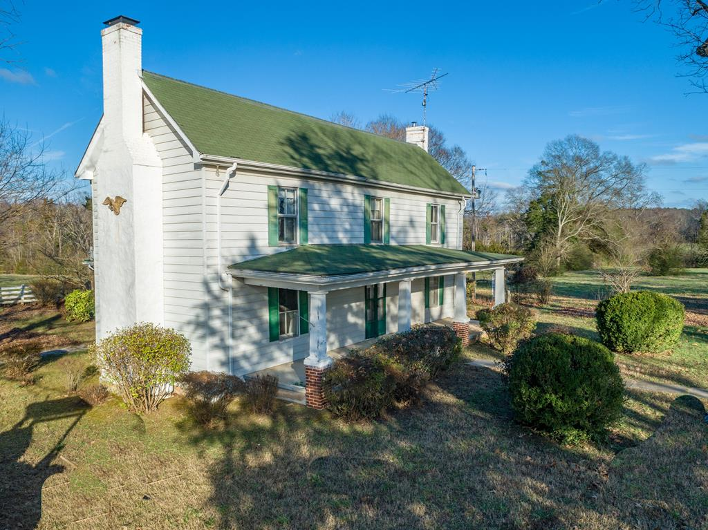 1840  Boxwood,  South Hill, VA