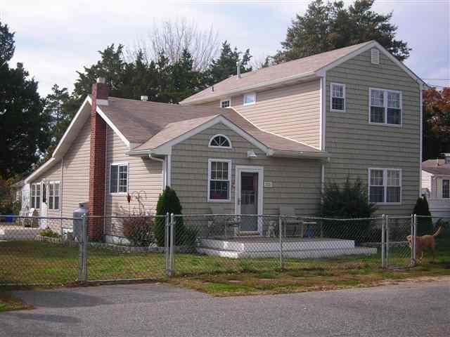 8  Evergreen,  Villas, NJ