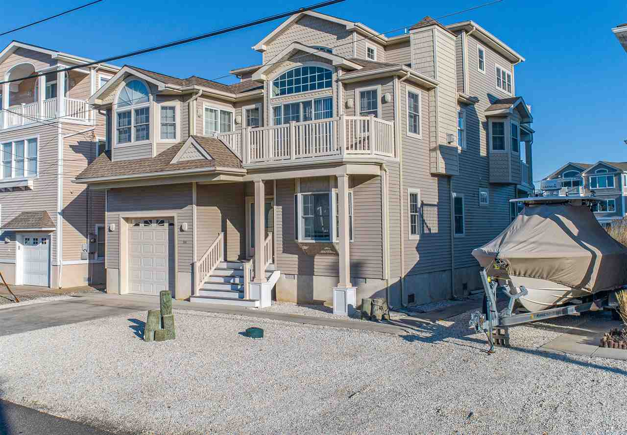 136  Meadowview Drive,  Avalon Manor, NJ