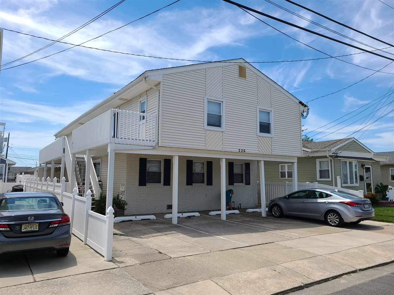 220  Hollywood,  Wildwood Crest, NJ