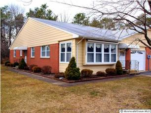 3  DIXON CT,  Whiting, NJ