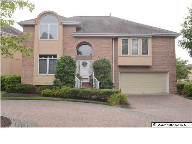 138  Beaver Brook Ct,  Holmdel, NJ