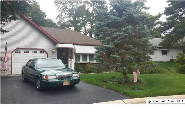4  Oxford Pl,  Whiting, NJ