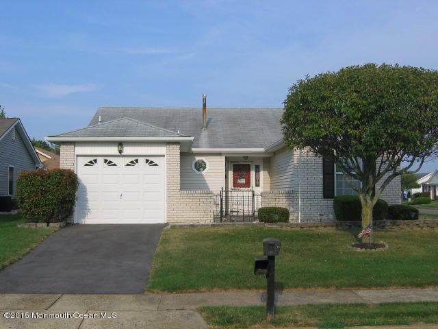49  Everest Drive,  Brick, NJ