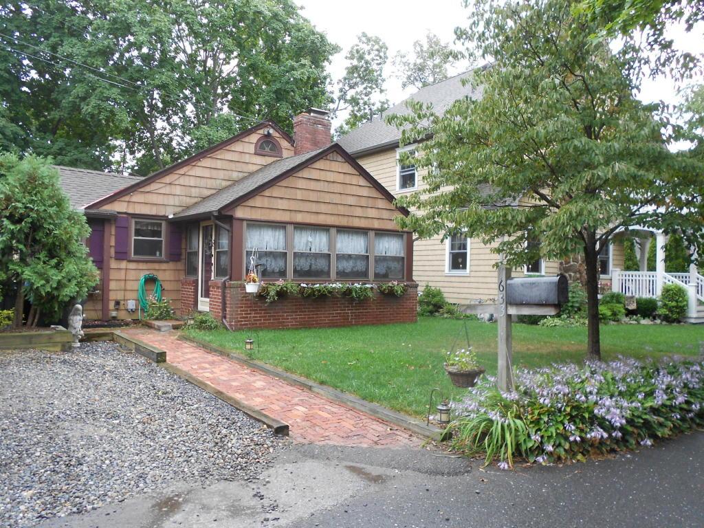 1633  Rivercrest Lane,  Manasquan, NJ
