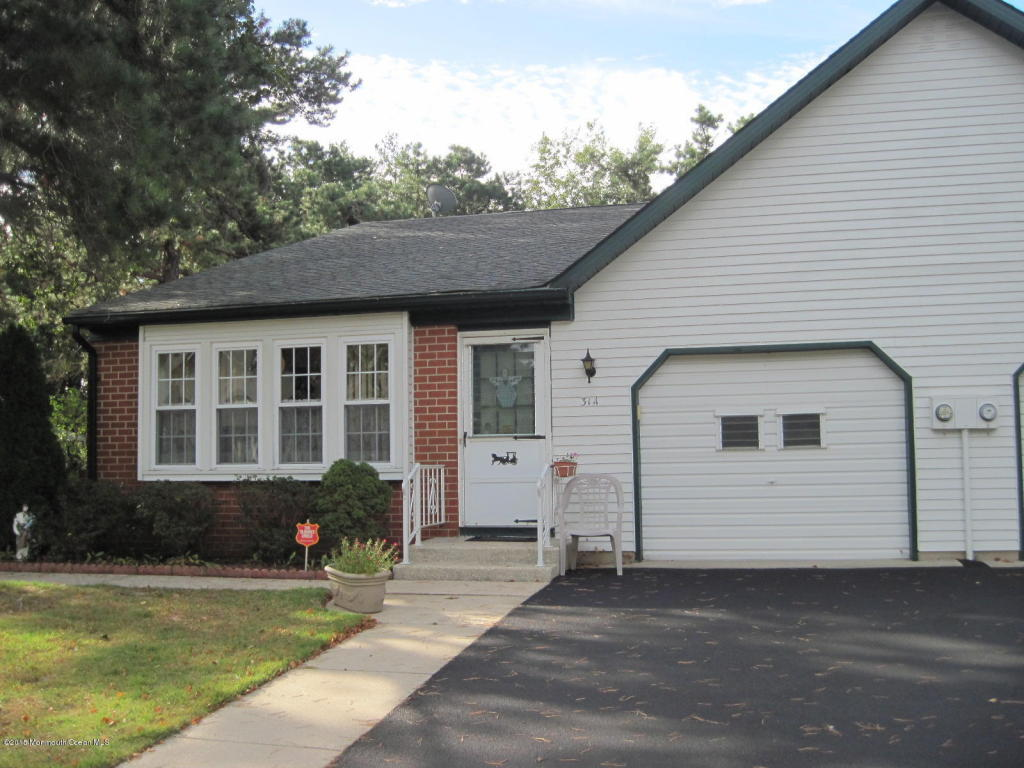 31 A  Canton Drive,  Whiting, NJ