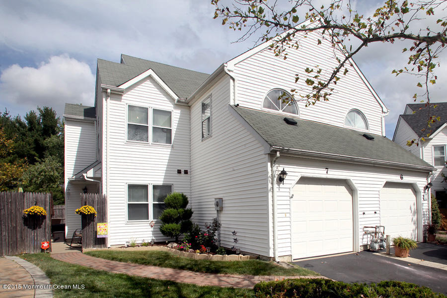7  Browning Court,  Freehold, NJ