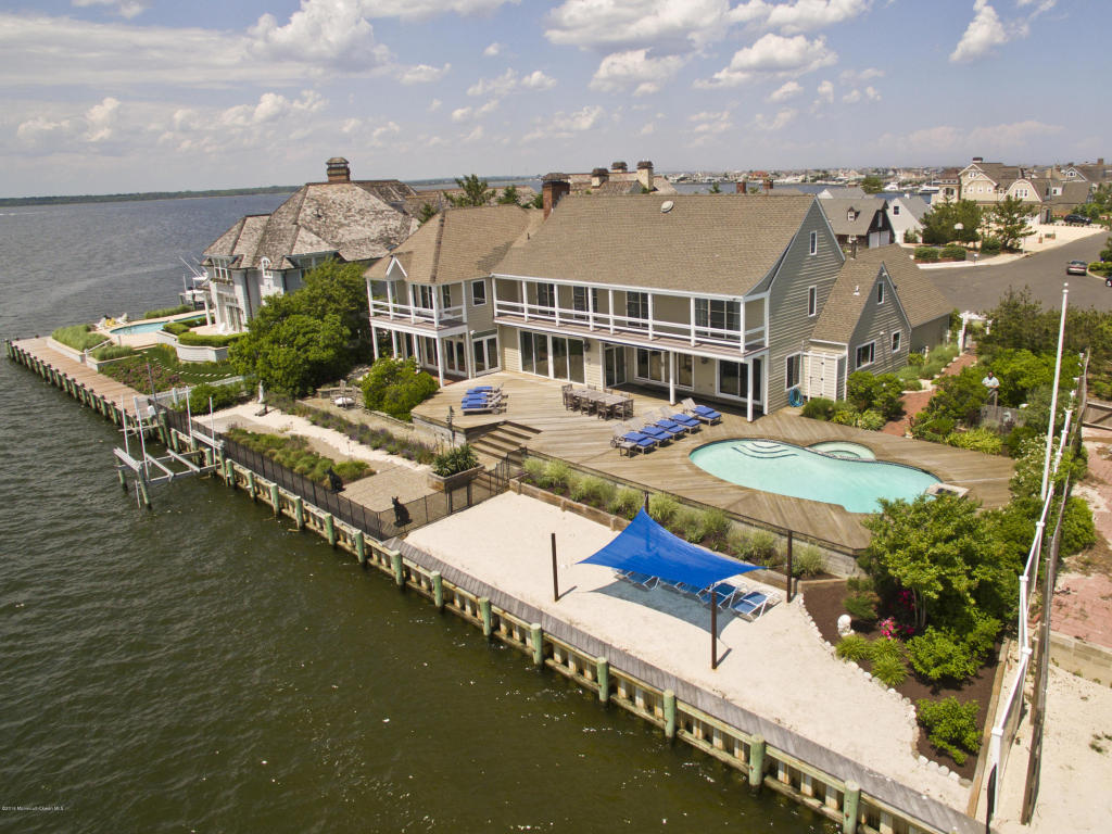 264  Dutchmans Point Road,  Mantoloking, NJ