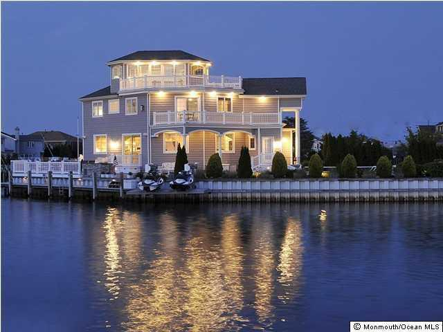 332  Cove Drive,  Mantoloking, NJ