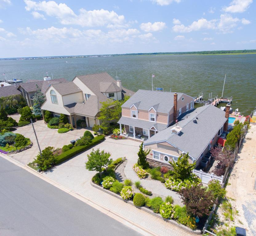 209  Curtis Point Drive,  Mantoloking, NJ