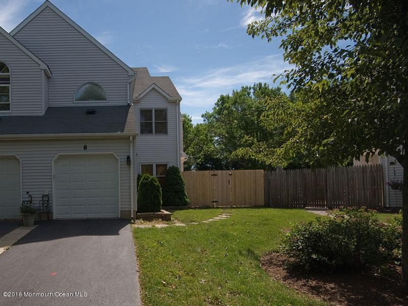 8  Emerson Court,  Freehold, NJ